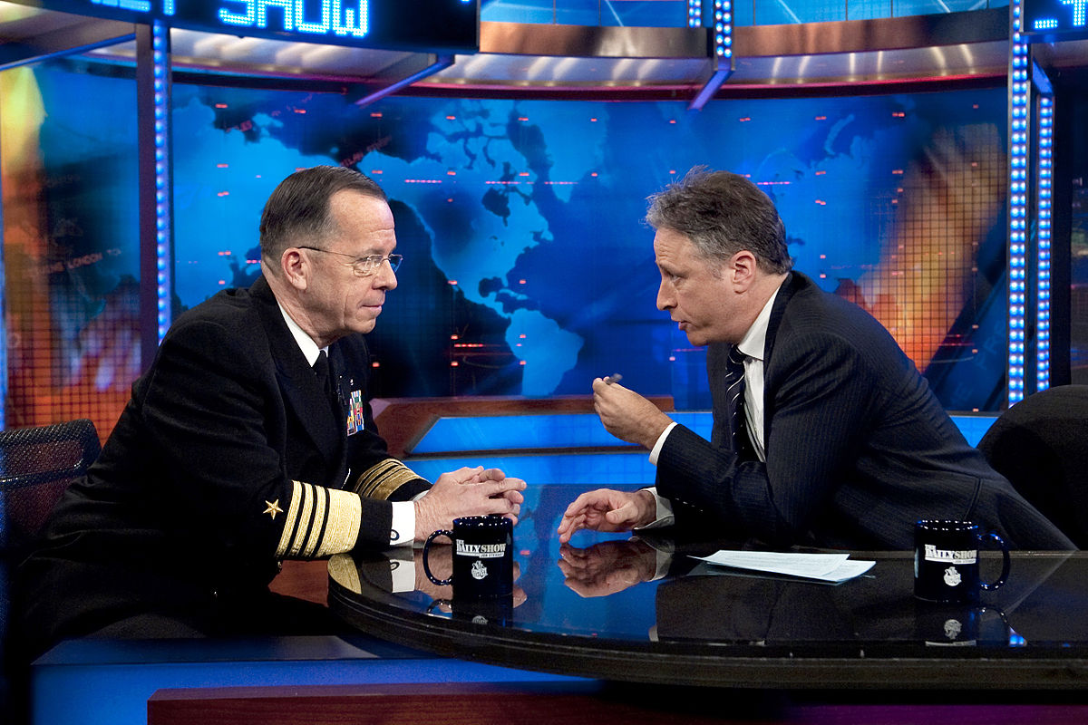Television host Jon Stewart interviewing Admiral Michael Mullen. (No credits available.)